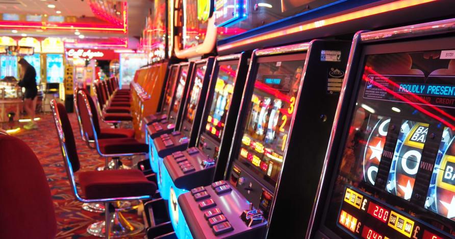 Permainan Kasino Online: Lebih Populer Dari Sebelumnya